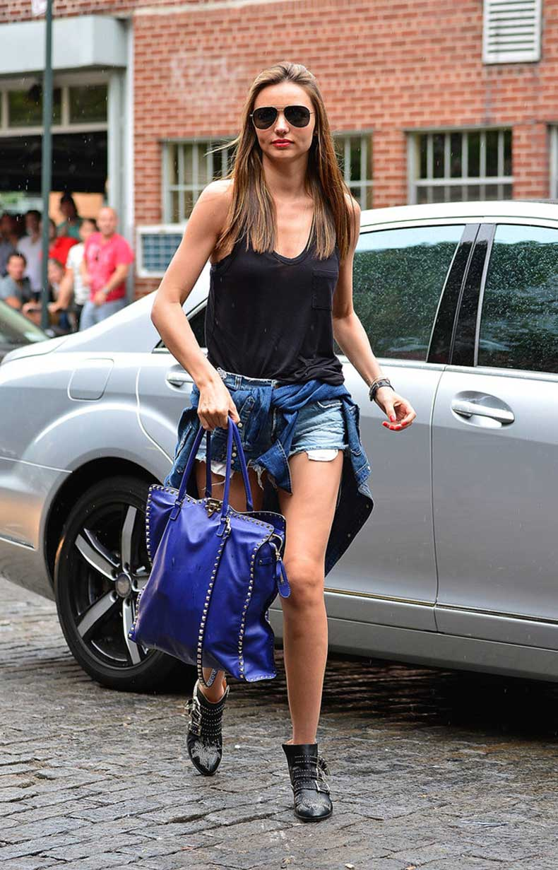 Miranda-Kerr-take-90s-trend-easy-cool-cutoffs