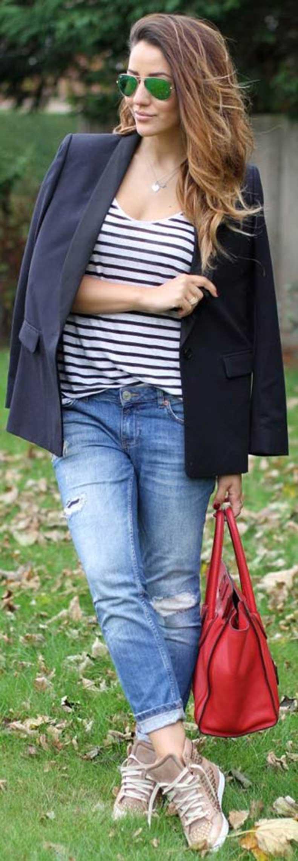 Navy-Blazer-Denim-Jeans-Outfit