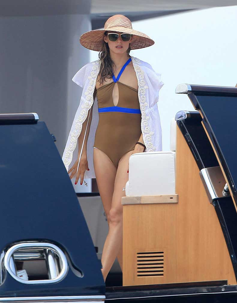 One-Piece-Suit-Can-Just-Statement-Making-Bikini