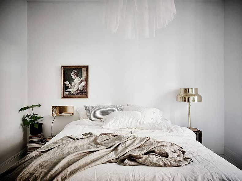 Oracle-Fox-White-Scandinavian-Interior-Bright-Apartment-10
