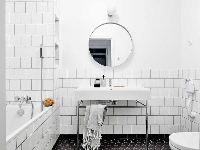 Oracle-Fox-White-Scandinavian-Interior-Bright-Apartment-20-e1449206154766