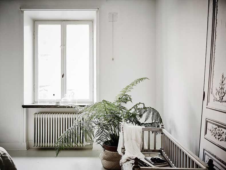 Oracle-Fox-White-Scandinavian-Interior-Bright-Apartment-24-e1449206226149