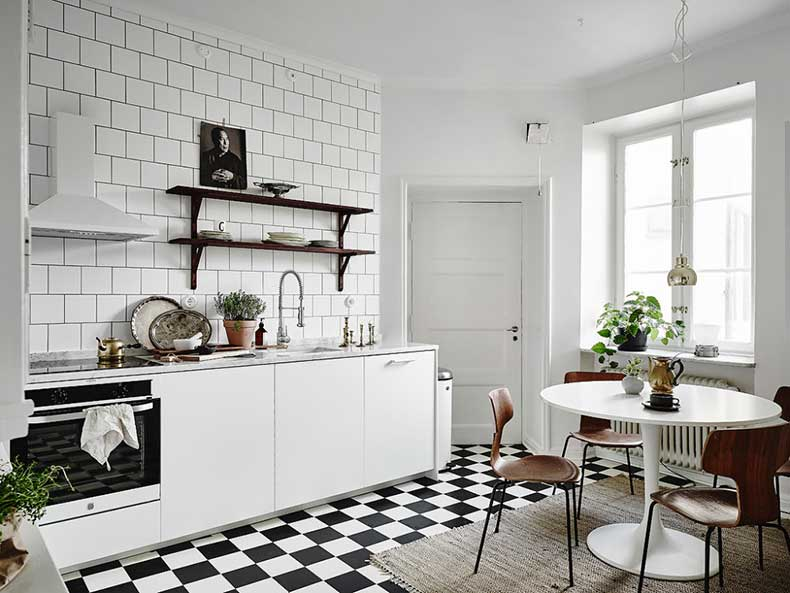 Oracle-Fox-White-Scandinavian-Interior-Bright-Apartment-25-e1449206244233