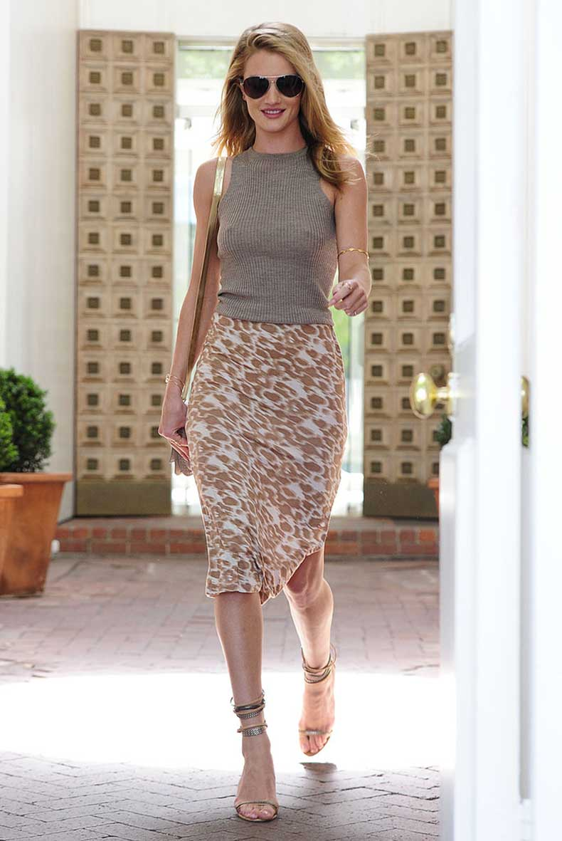Rosie-Huntington-Whiteley-looked-flawless-from-head-toe-she