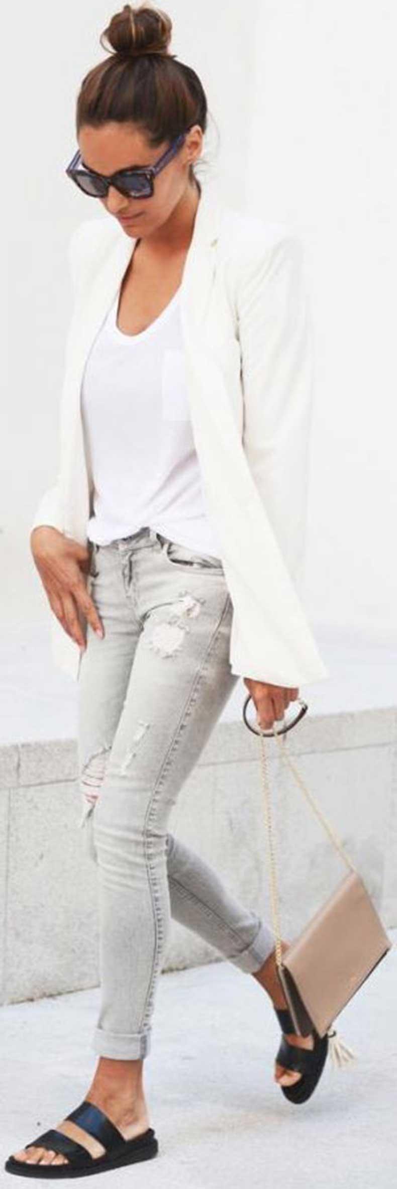 White-Blazer-Grey-Jeans-Outfit