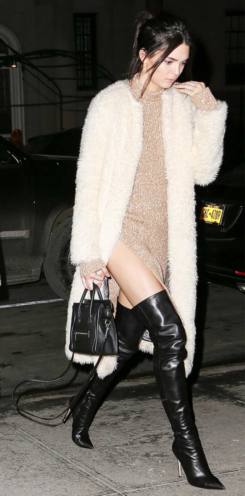 a-celebrity-guide-to-wearing-thigh-high-boots-1589971-1449700325.640x0c