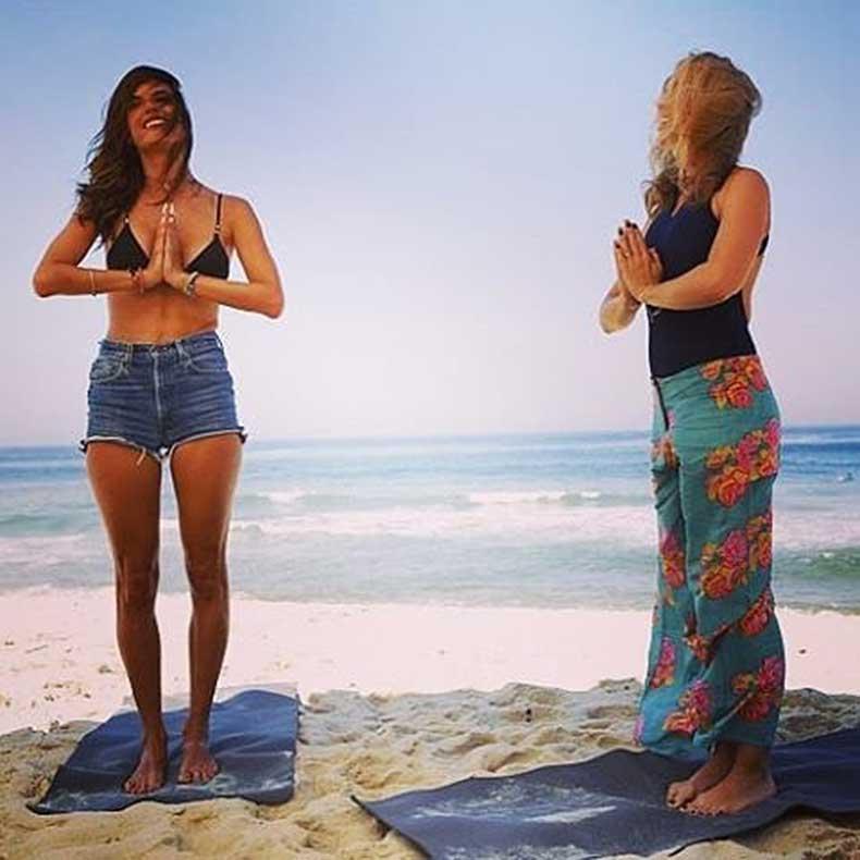 little-beach-yoga-Alessandra-sounds-amazing