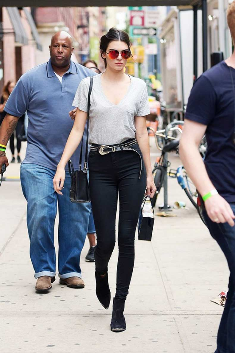 the-three-celebs-who-redefined-street-style-this-year-1521684.640x0c