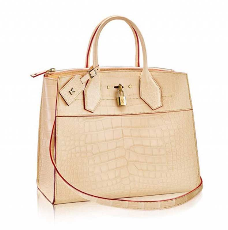 this-is-the-most-expensive-bag-louis-vuitton-has-ever-made-1576195-1448808440.640x0c