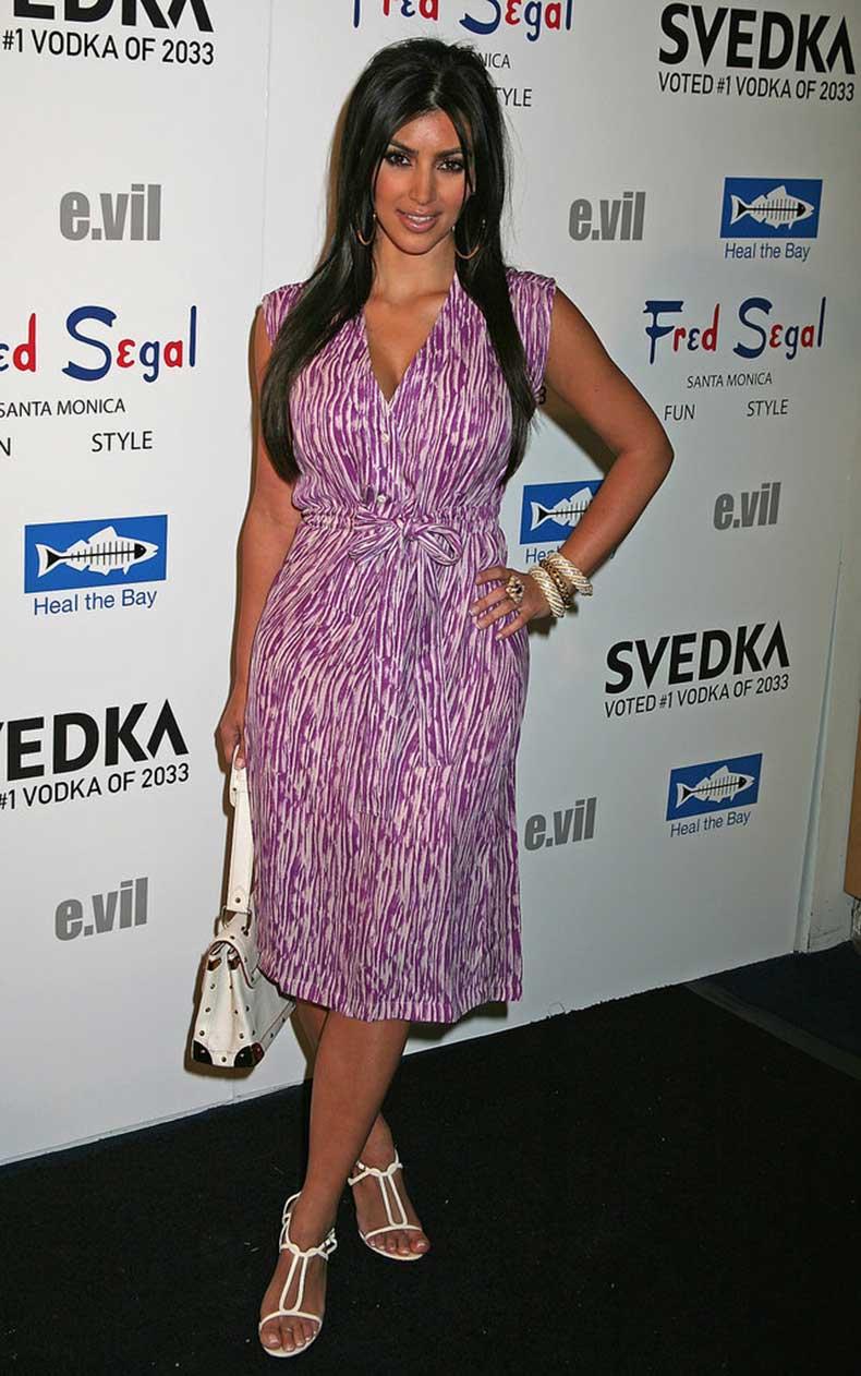 2008-Demure-Dressing