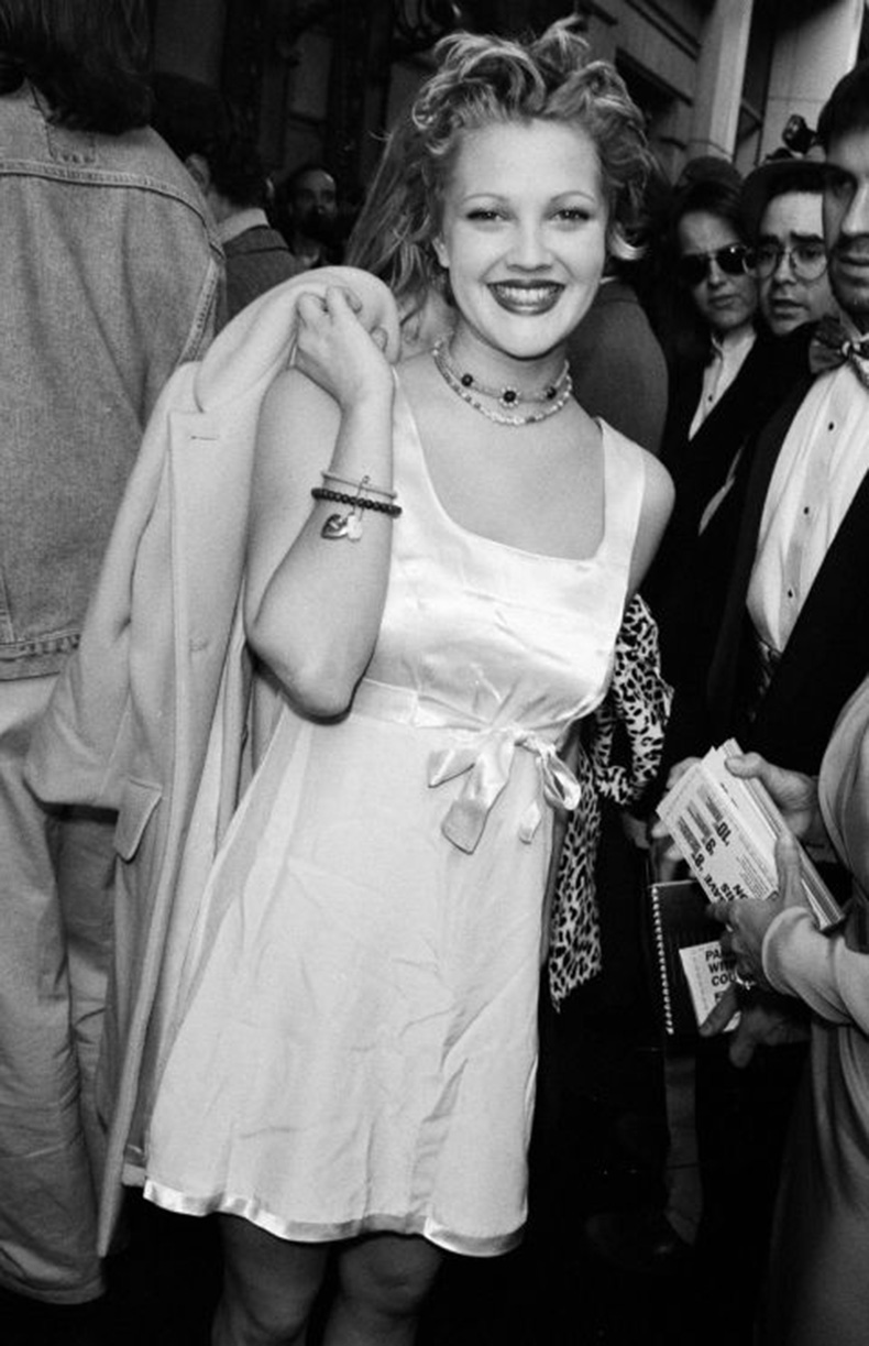 5482b601eff86_-_mcx-90-fashion-drew-barrymore-s2