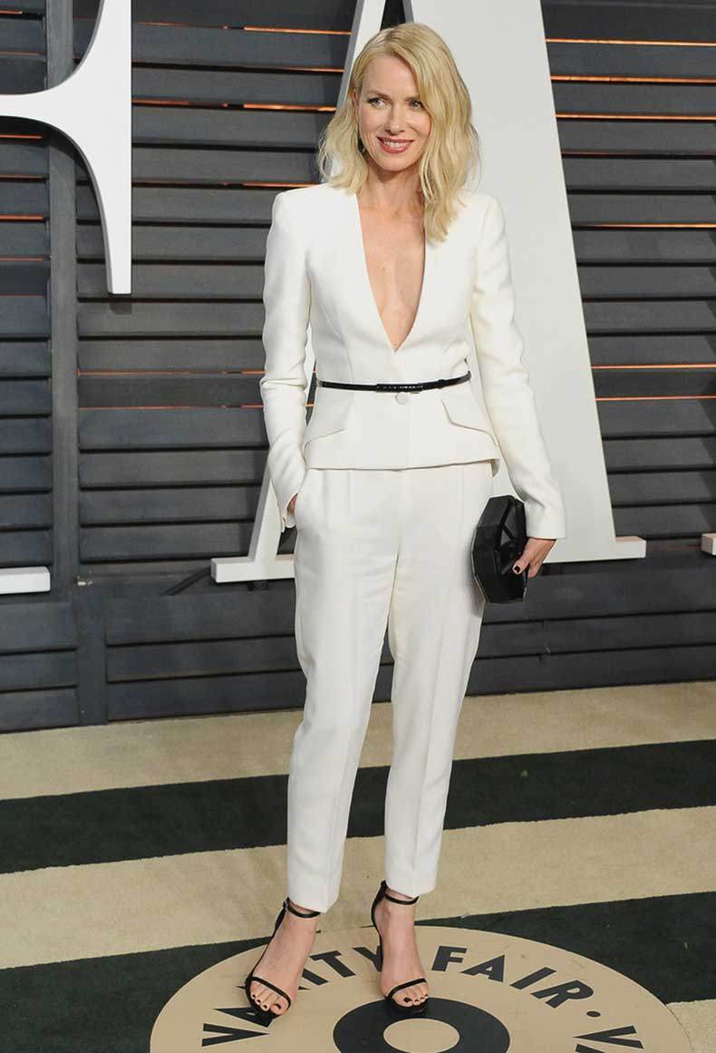 Follow-Naomi-Watts-Lead-Add-Thin-Black-Belt-Little-Flair