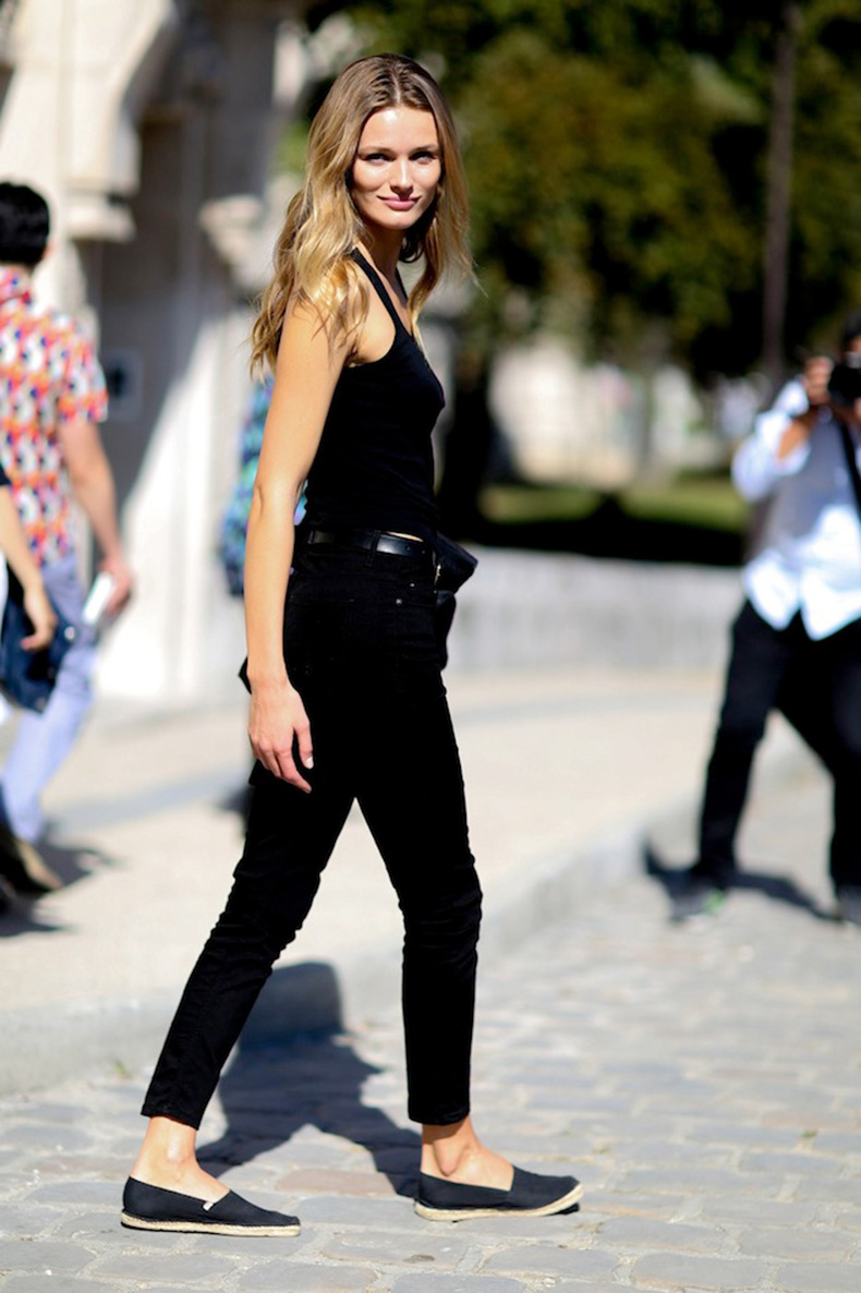 Le-Fashion-Blog-Model-Off-Duty-Paris-Street-Style-Edita-Vilkeviciute-All-Black-Classic-Summer-Look-Tank-Top-Cropped-Jeans-Espadrille-Flats-Via-Style-Bistro