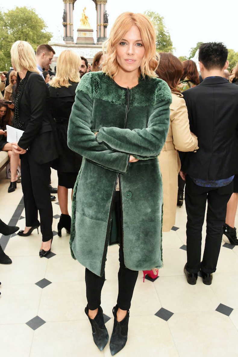Le-Fashion-Blog-Ways-To-Wear-Green-Jacket-Fall-Winter-Style-Long-Wavy-Bob-Fur-Coat-Black-Skinny-Jeans-Pointed-Suede-Boots-Sienna-Miller-Via-Harpers-Bazaar