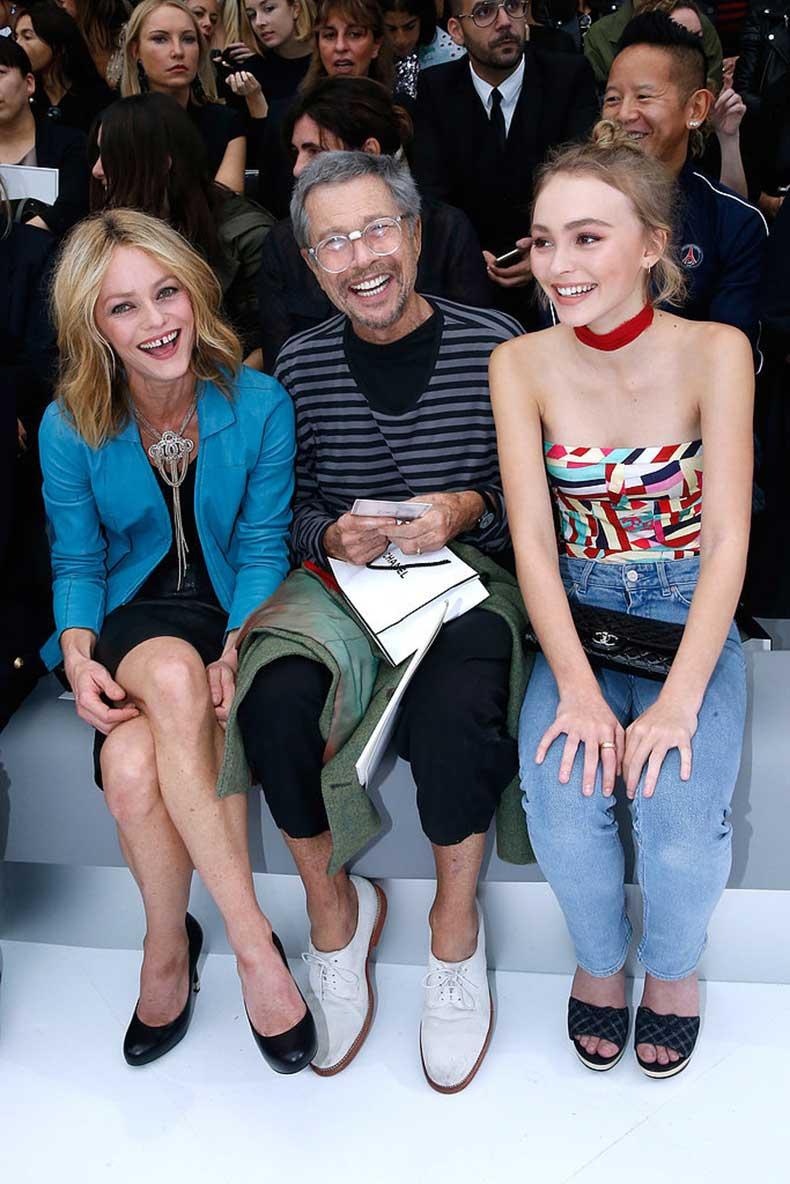 Lily-Rose-Depp-Paris-Fashion-Week-Pictures-2015-(1)