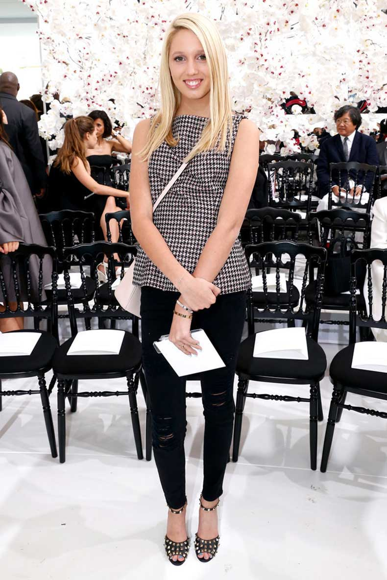 She-Has-Her-Favorite-Designers-She-Front-Row-Runway-Shows-Invited-Parties
