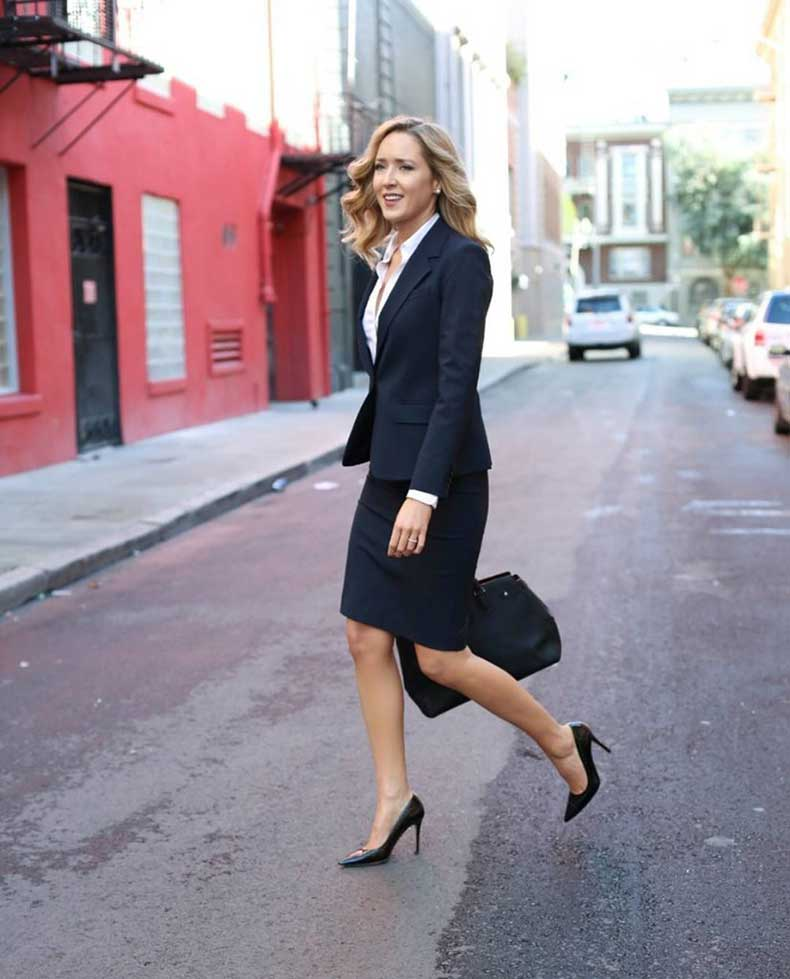 Skirt-Suits-Should-Tailored-Hit-Above-Knee-Helping-Elongate-Your-Legs
