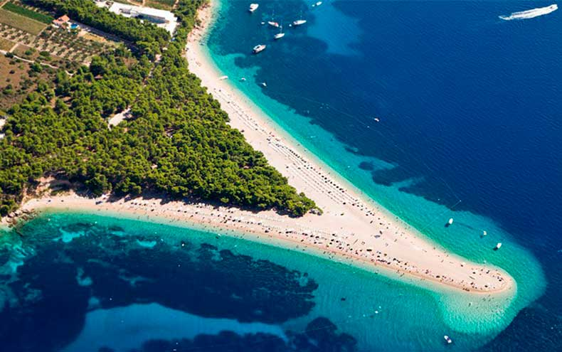 Zlatni_Rat_Beach_Croatia