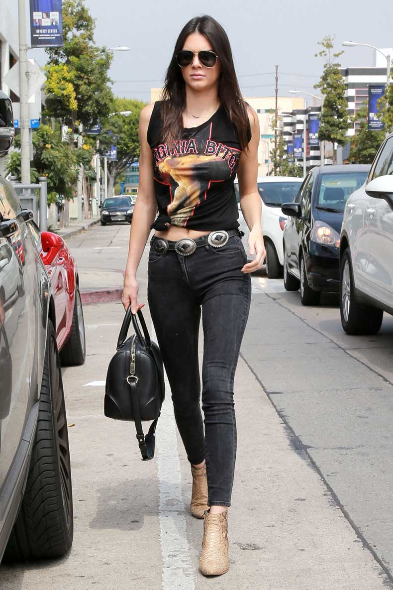 gallery-1436450692-mcx-kendall-jenner