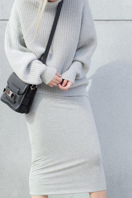 grey-monochromatic-groutfits-chunky-sweater-pencil-skirt-figtny-640x961