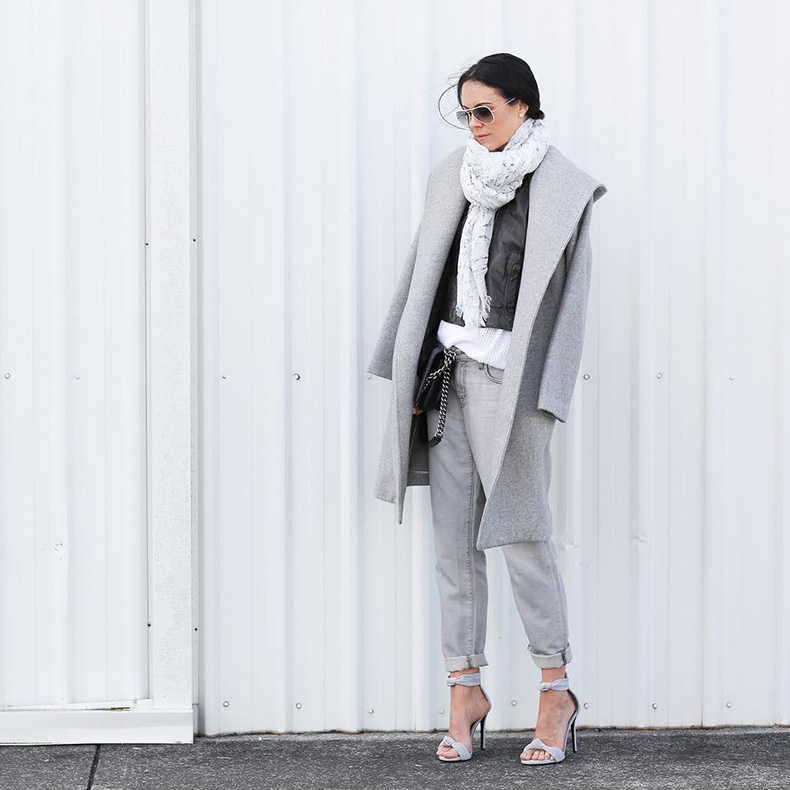 grey-monochromatic-groutfits-rolled-pants-grey-coat-rolled-boyfriend-jeans-sandals-scarf-instagram-fifideluxeblog