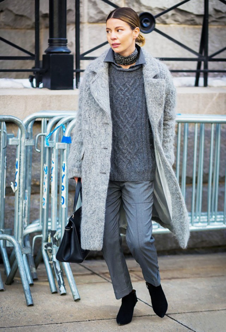 groutfit-grey-sweater-trouser-pants-grey-coat-black-booties-style-du-monde-winter-work-outfit