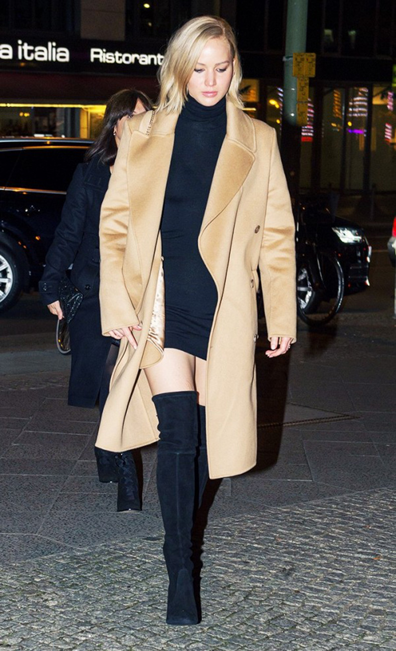 how-to-wear-a-camel-coat-like-a-celebrity-1586643-1449526573.600x0c