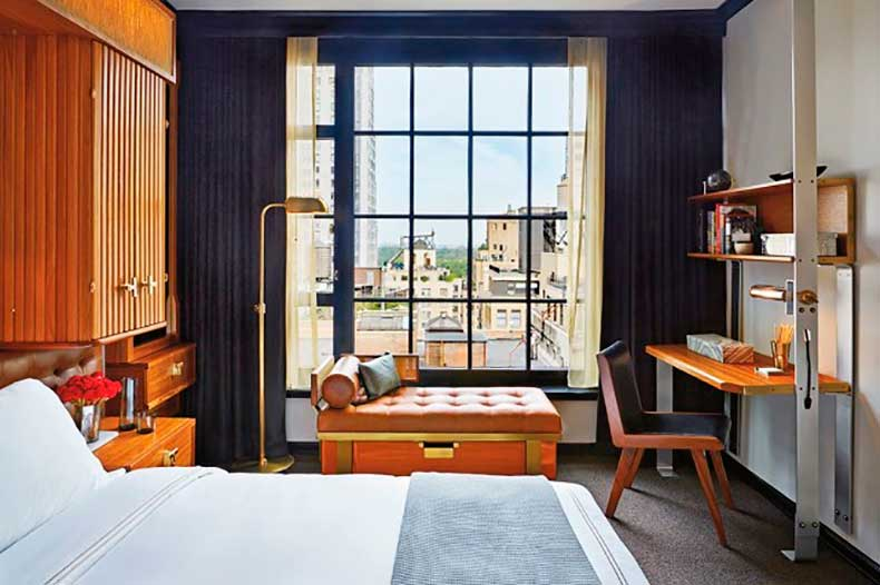 10-small-space-decorating-tips-to-steal-from-hotels-1626064-1453082845.640x0c