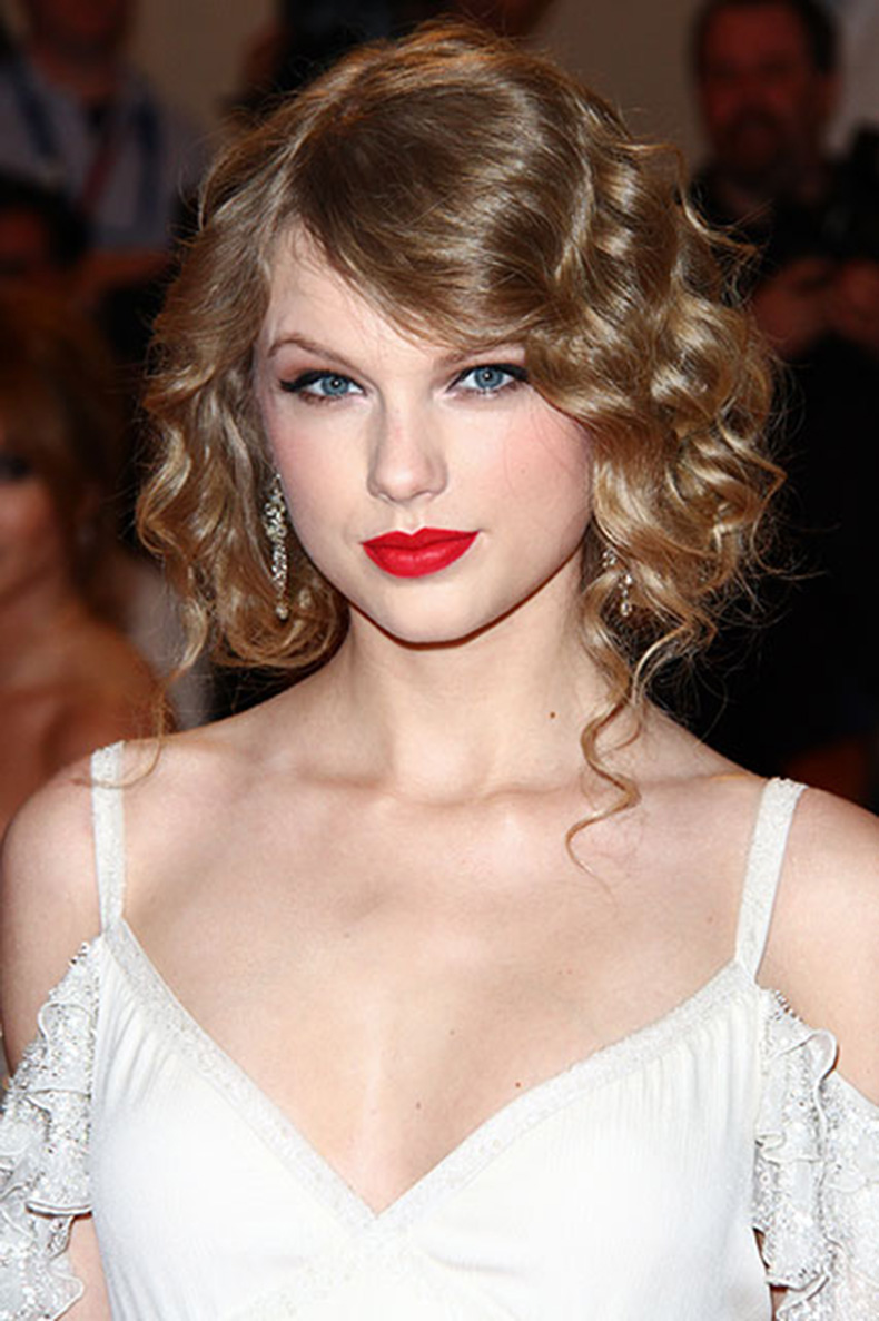 15-cay-son-do-to-diem-ve-dep-hut-hon-cua-taylor-swift