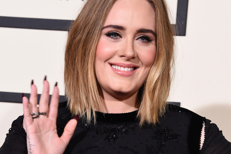 Adele-Grammy-Awards-2016-red-carpet-Grammys-3