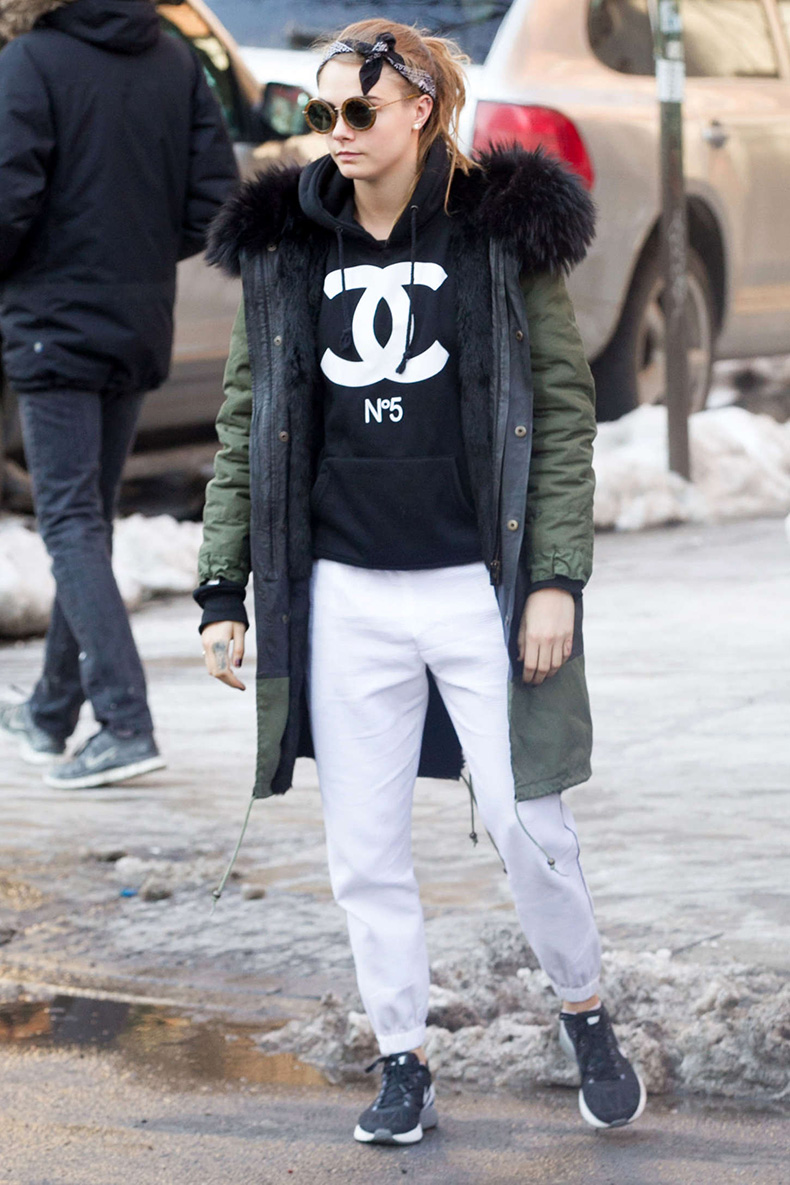 Cara-Delevingne-Out-in-NYC--03