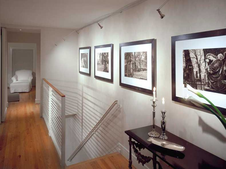 DP_Andreas-Charalambous-white-transitional-stair-landing_h.jpg.rend.hgtvcom.966.725