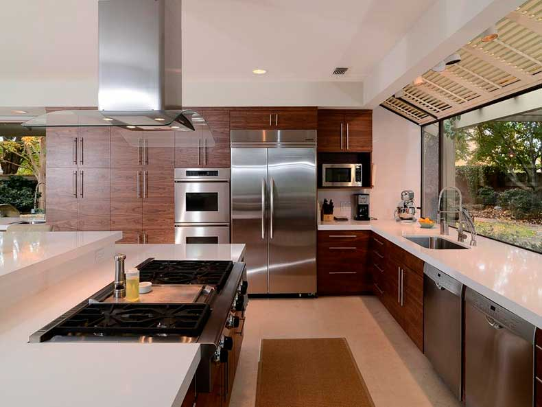 DP_Kerrie-Kelly-neutral-contemporary-cooktop-kitchen_h.jpg.rend.hgtvcom.966.725
