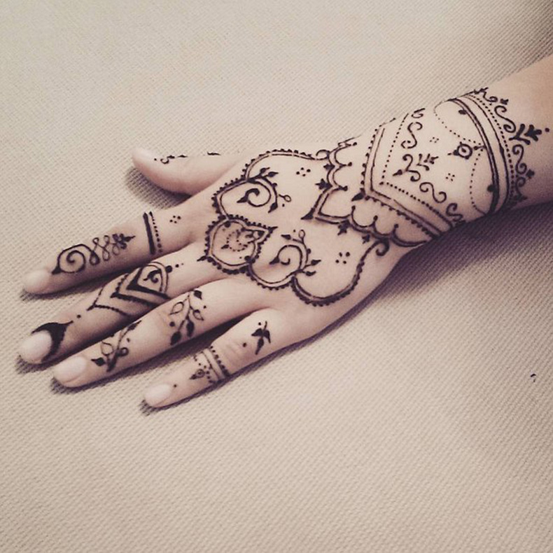 Dream-Catcher-Henna-Design