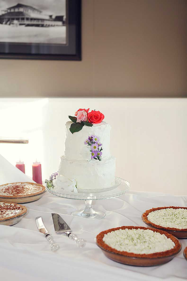 From-florals-white-frosting-everything-about-cake