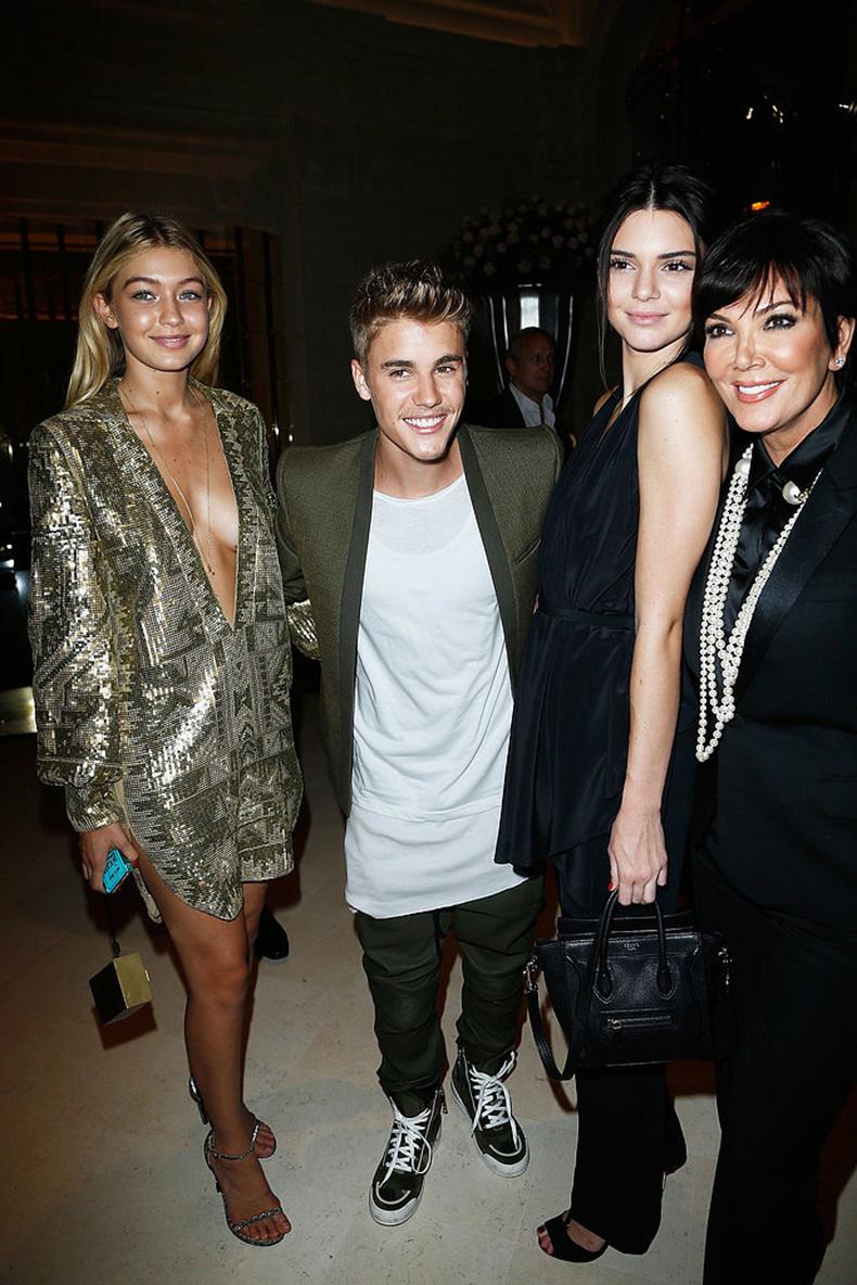 Kendall-Jenner-Gigi-Hadid-Street-Style-(4)