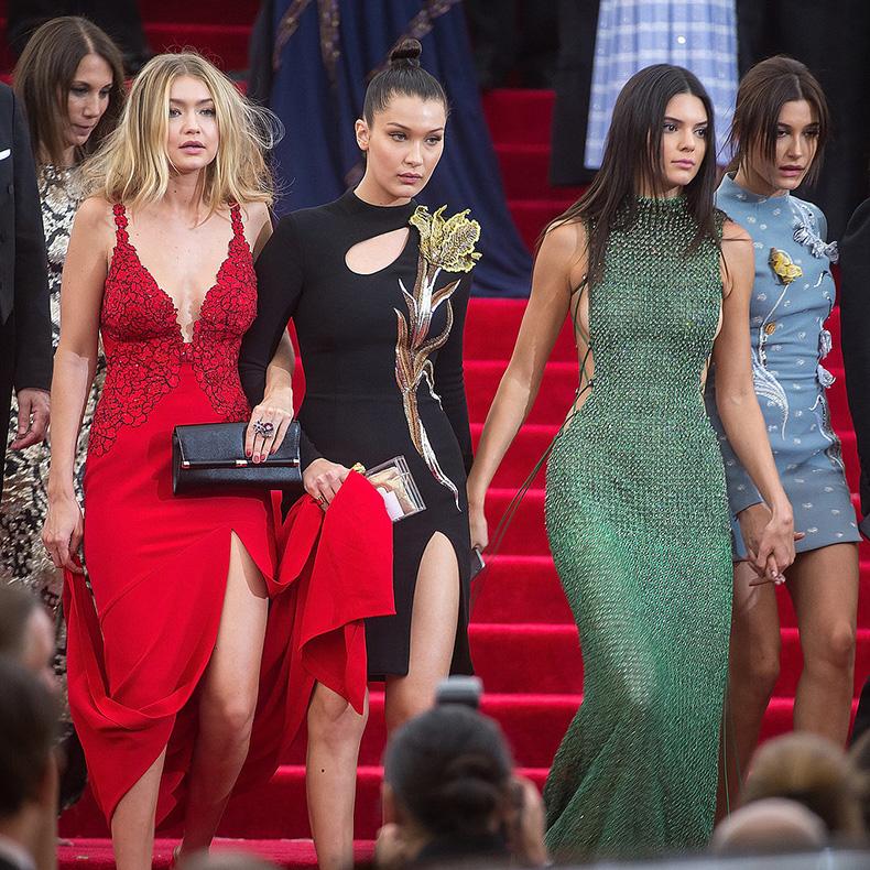 Kendall-Jenner-Gigi-Hadid-Street-Style-(6)