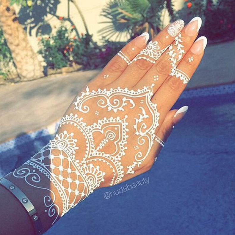 Love-henna-hennasign-hudabeauty-video-posted-Huda