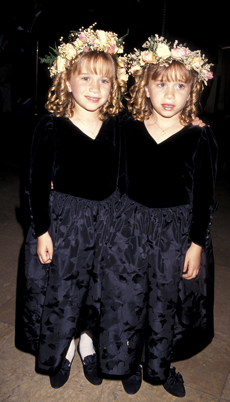 Mary-Kate-Ashley-Olsen-stars-childhood-pictures-3278360-1464-2560