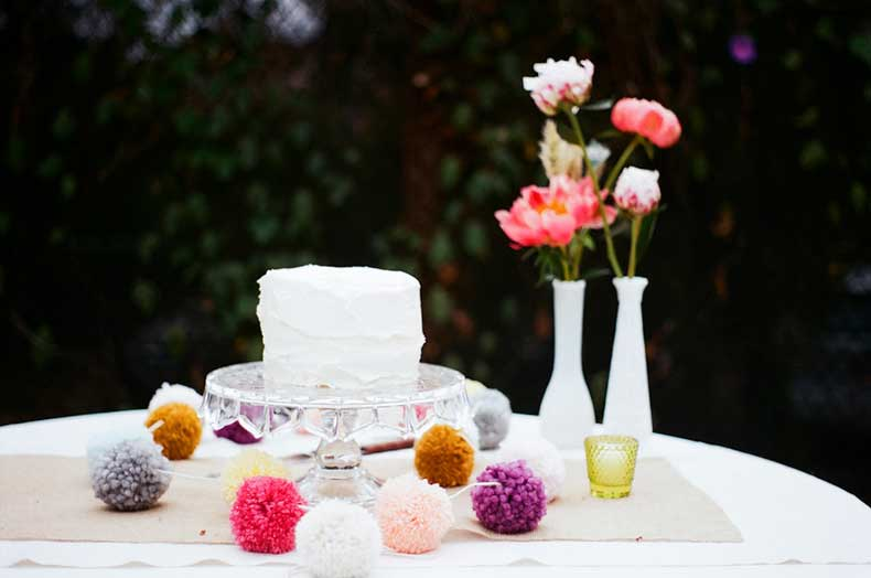We-cant-get-over-how-whimsical-stunning-simple-cake