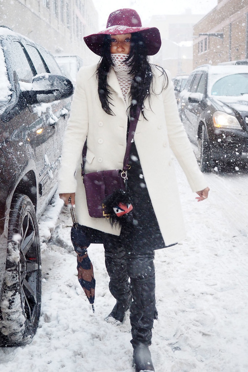 Youre-blizzard-ready-wide-brim-hat-Winter-white-coat