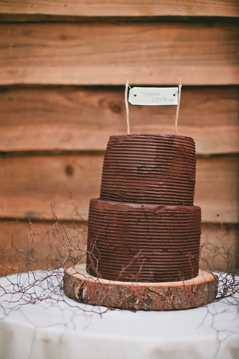 couple-loves-chocolate-two-layered-rustic-style