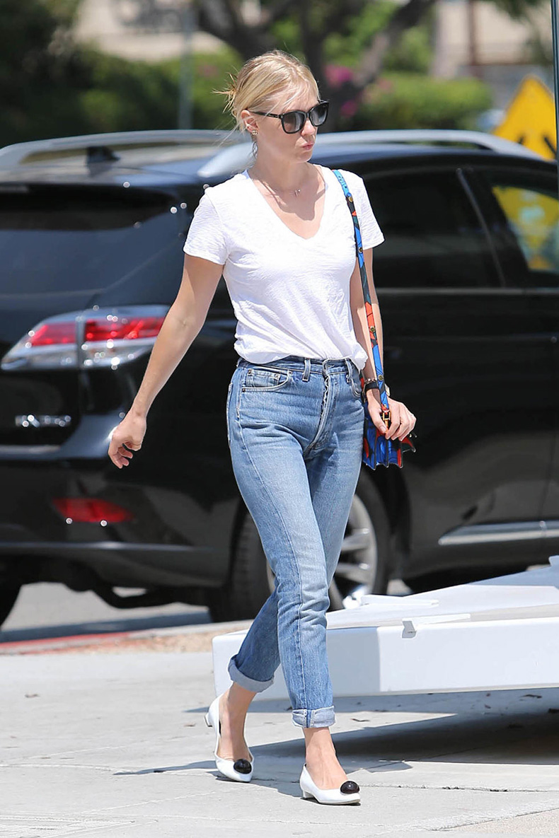 hbz-denim-update-january-jones-getty