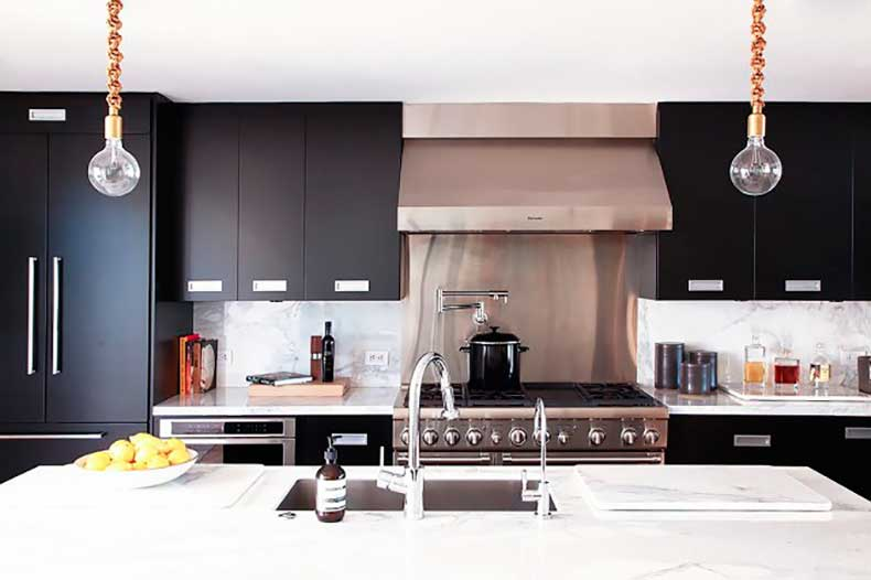 home-tour-a-masculine-modern-home-in-los-angeles-1654529-1455234450.640x0c