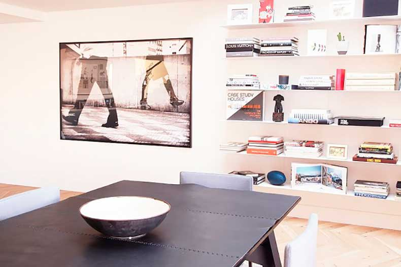 home-tour-a-masculine-modern-home-in-los-angeles-1654586-1455234665.640x0c