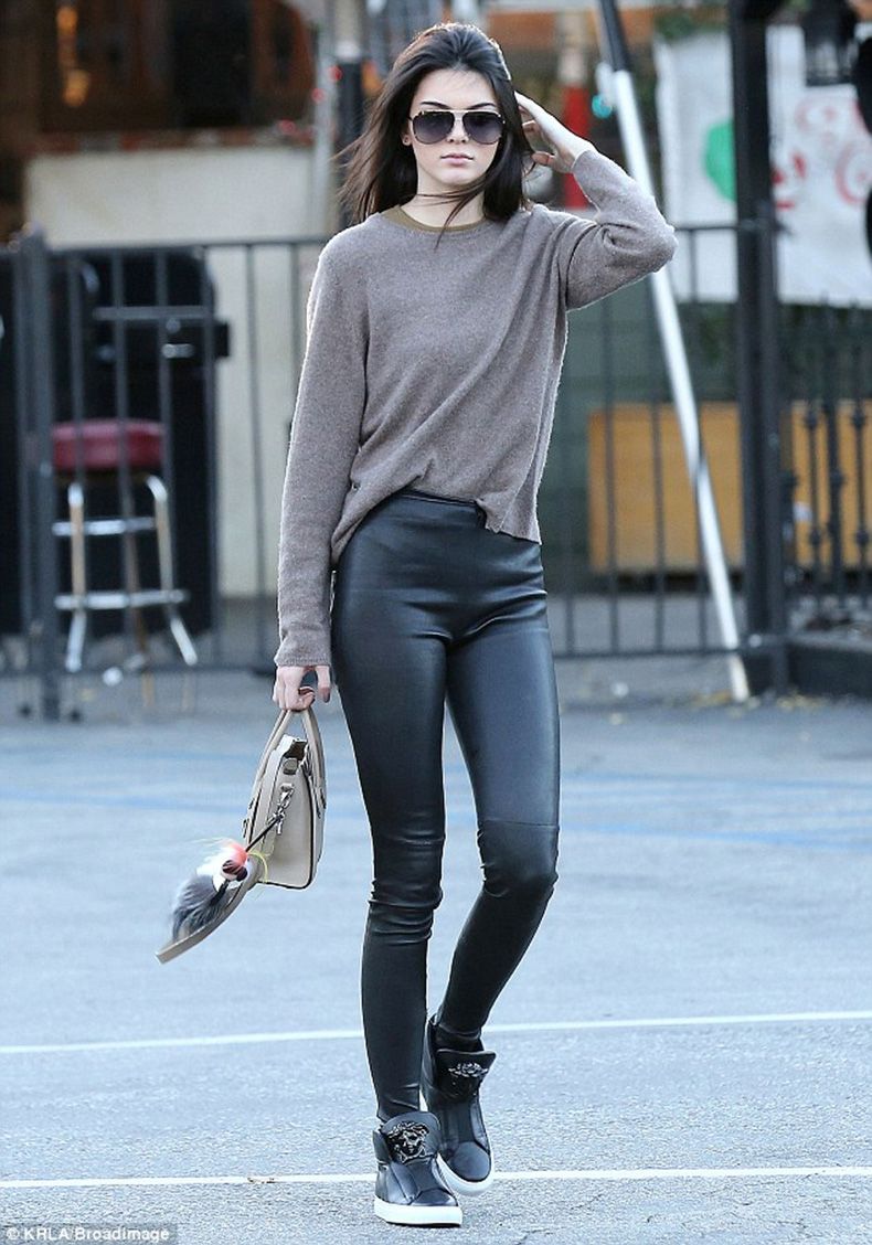 kendall-jenner-versace-sneakers-black-leggings