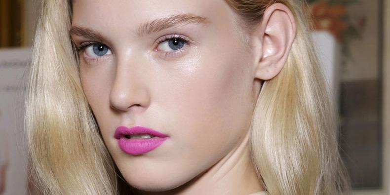 landscape-1430415333-hbz-charting-pink-lipstick-00-index