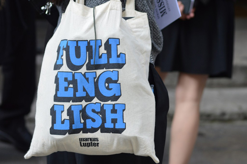 lfw_2014_canvas_bag_streetstyle-1024x680