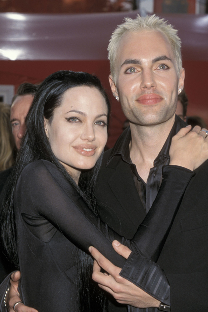 most-awkward-oscars-moments-angelina-jolie-brother-600x900
