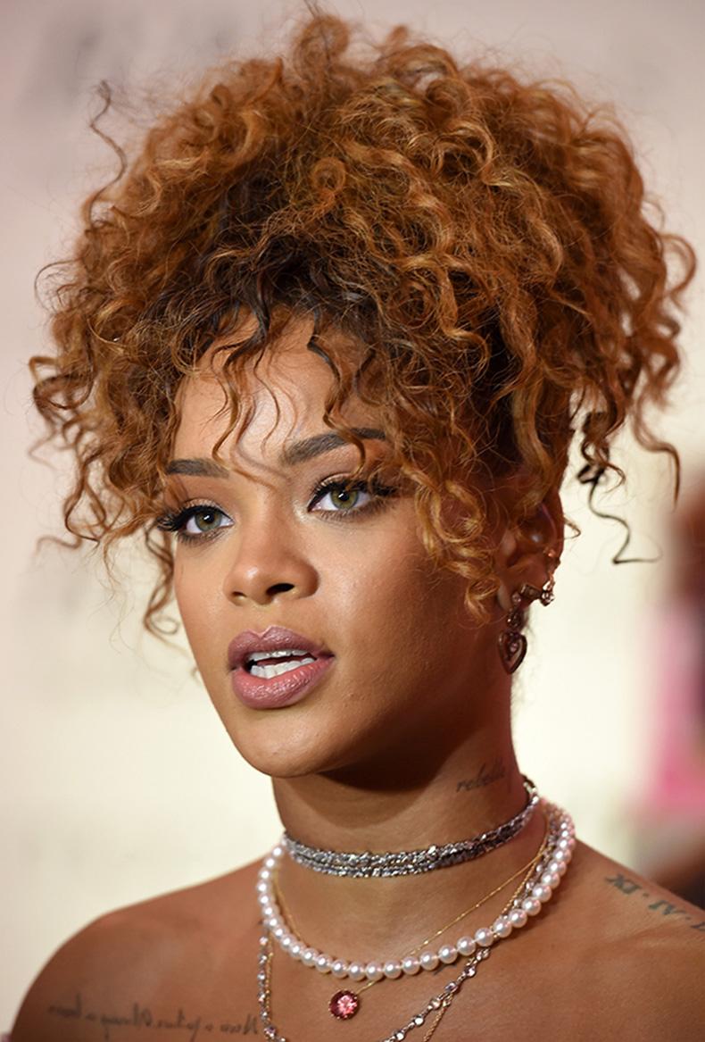 rihanna-curly-hair